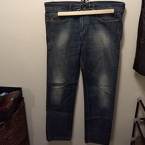 Short faded jeans